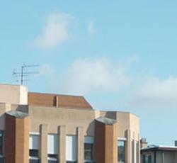 Quelles spécialités médicales sont assurées par le réseau HospitalsConsultants ?